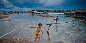 Koh Trong floating village, Kratie Cambodia , Lee robinson travel photography
